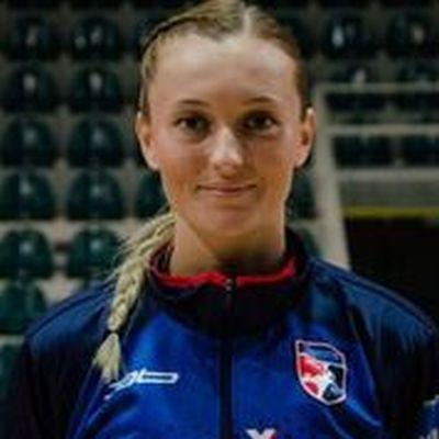 44 - Sofia Demajová