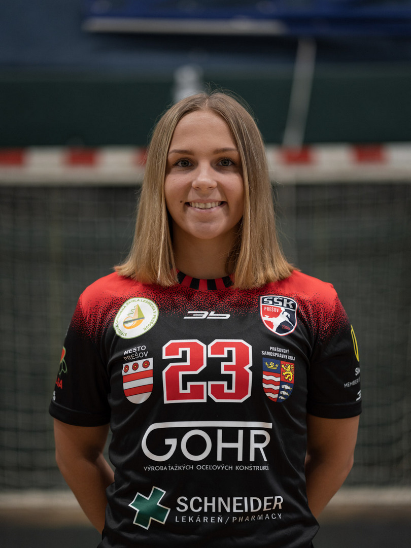 23 - Lenka Holubová