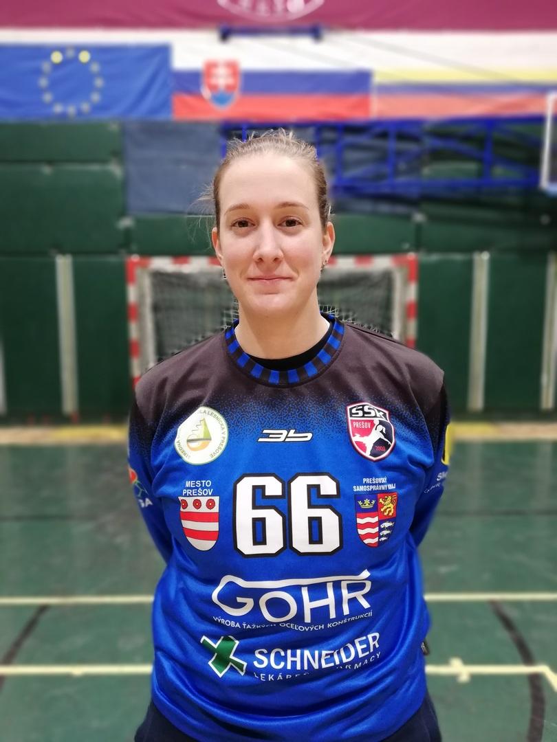 66 - Adriana Medveďová