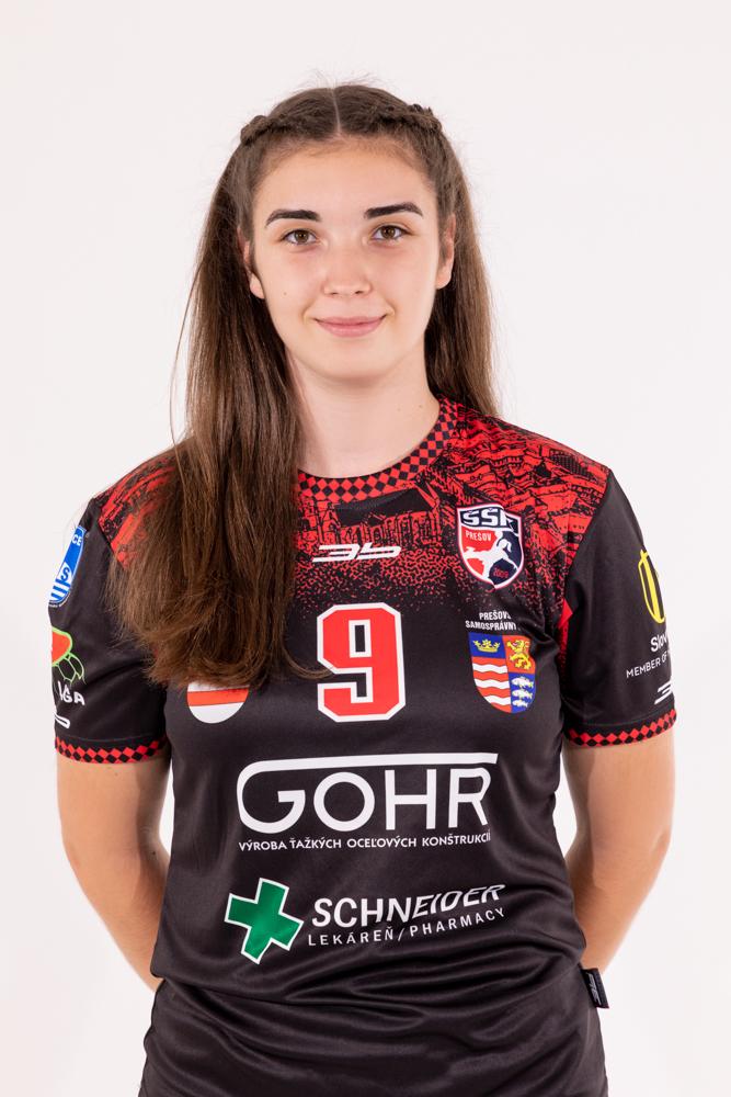 9 - Nela Haňová